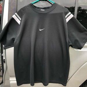 VINTAGE 90's Nike short sleeve shirt